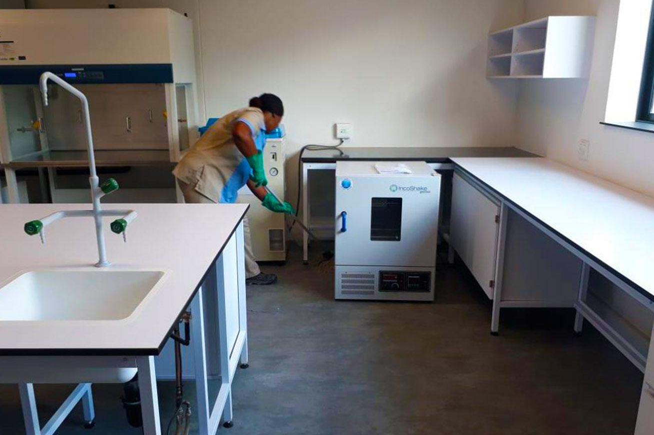 Commercial extration cleaning services